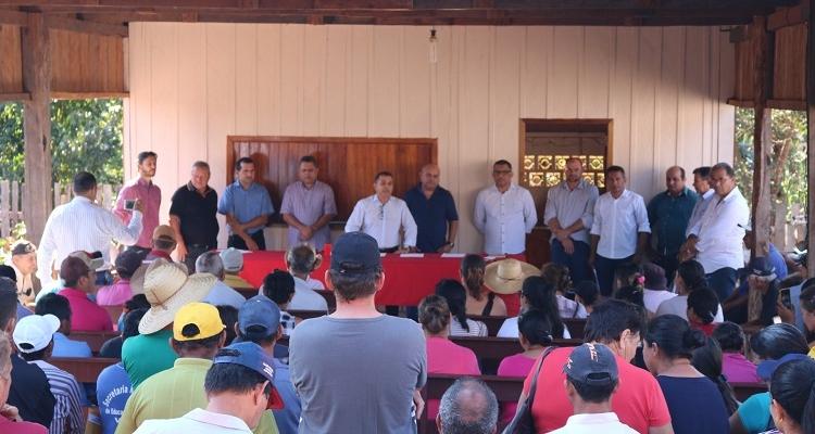 Aripuanã: Prefeitura, Câmara de Vereadores e INCRA/MT realizam reunião sobre a Regularização Fundiária na Milagrosa