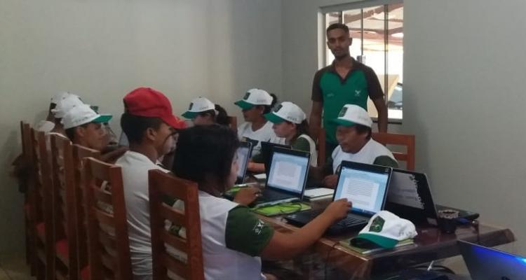 Sindicato rural de Aripuanã e parceiros realizam curso de Inclusão Digital