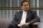 Caso de Flávio Bolsonaro 'não tem nada' a ver com governo, diz Mourão