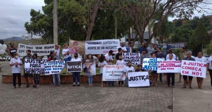 Familiares de Ruan Pablo assassinado a tiros em Aripuanã protestam e pedem justiça