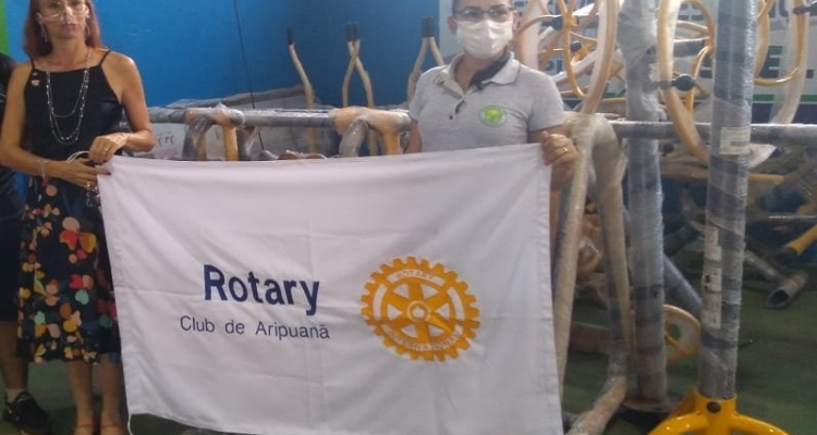 Rotary Club doa equipamentos para implantação de uma academia ao ar livre em Aripuanã