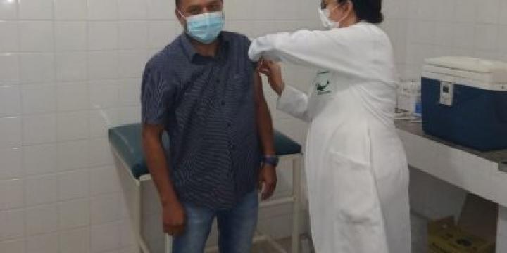 Cidade em MT já vacina pessoas de 30 anos