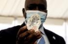 Em Botsuana 3º maior diamante do mundo é descoberto