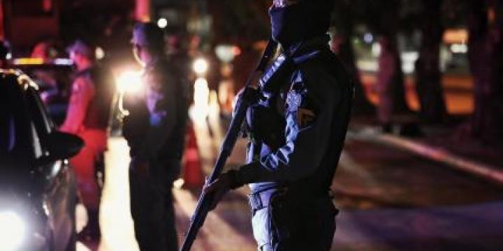 Assaltante morre após roubar hotel e trocar tiros com a Polícia Militar