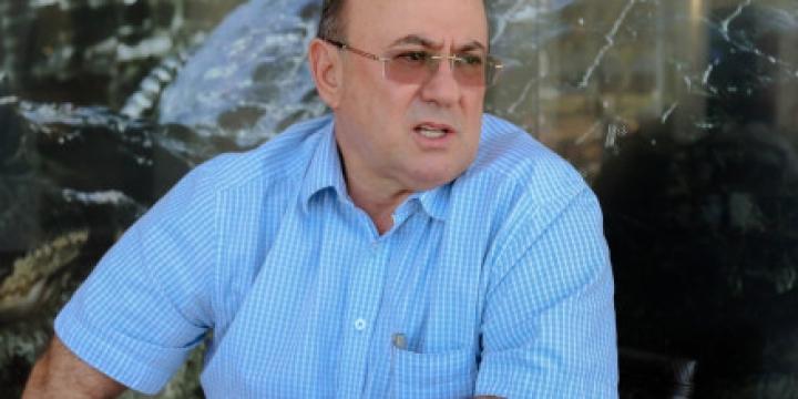 Justiça libera áreas e carrões para Riva vender e pagar acordo